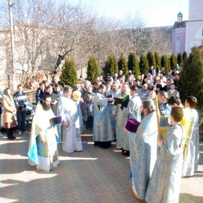 (Фото) Высокопреосвященнейший Савва, Архиепископ Тираспольский и Дубоссарский совершил Божественную литургию в нашем храме