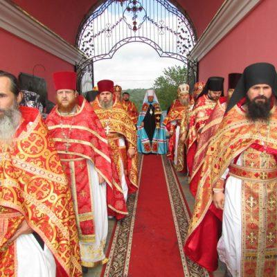 (Video, Foto) Vizita pastorală a mitropolitului Vladimir la Biserica Arhanghelului Mihail din satul Hrustovaia