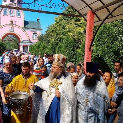 (Фото) В праздник Преображения Господня в храме Архангела Михаила была совершена Божественная литургия
