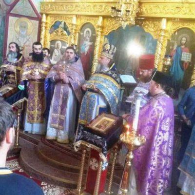(Fotos) Liturghia Darurilor mai înainte Sfințite în Biserica Arhanghelului Mihail