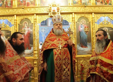 (Foto) Sfânta Liturghie de Anul Nou în Biserica Arhanghelului Mihail